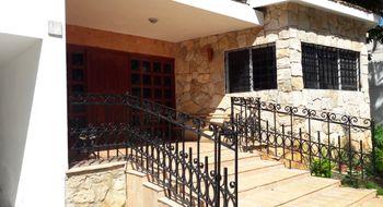 NEX-17365 - Casa en Venta en Prado, CP 24035, Campeche, con 3 recamaras, con 2 baños, con 1 medio baño, con 354 m2 de construcción.