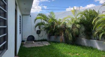 NEX-12228 - Casa en Venta en Supermanzana 59, CP 77515, Quintana Roo, con 9 recamaras, con 9 baños, con 429 m2 de construcción.