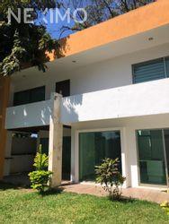 NEX-28429 - Casa en Renta, con 2 recamaras, con 1 baño, con 1 medio baño, con 150 m2 de construcción en Boulevares, CP 29020, Chiapas.