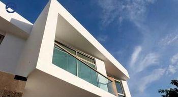 NEX-32432 - Casa en Renta en Valle Dorado, CP 29014, Chiapas, con 3 recamaras, con 4 baños, con 180 m2 de construcción.
