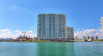 NEX-33926 - Departamento en Renta en Zona Hotelera, CP 77500, Quintana Roo, con 2 recamaras, con 3 baños, con 200 m2 de construcción.