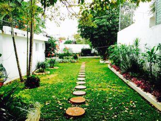 NEX-38399 - Casa en Venta en Los Laureles, CP 29020, Chiapas, con 3 recamaras, con 3 baños, con 2 medio baños, con 350 m2 de construcción.