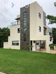 NEX-48229 - Casa en Venta, con 3 recamaras, con 3 baños, con 180 m2 de construcción en Arbolada, CP 77533, Quintana Roo.