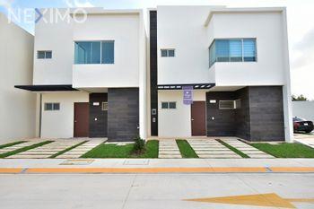 NEX-9457 - Casa en Venta en Cancún (Internacional de Cancún), CP 77569, Quintana Roo, con 3 recamaras, con 2 baños, con 1 medio baño, con 178 m2 de construcción.