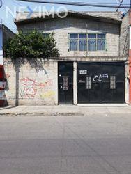 NEX-8461 - Casa en Venta, con 4 recamaras, con 2 baños, con 1 medio baño, con 80 m2 de construcción en Valle de Tules, CP 54945, México.
