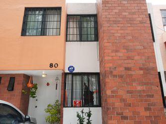 NEX-35165 - Casa en Venta en Los Olivos, CP 04890, Ciudad de México, con 3 recamaras, con 3 baños, con 1 medio baño, con 145 m2 de construcción.