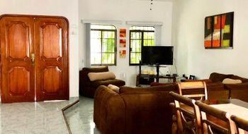 NEX-20794 - Casa en Venta en Supermanzana 61, CP 77514, Quintana Roo, con 3 recamaras, con 2 baños, con 1 medio baño, con 180 m2 de construcción.