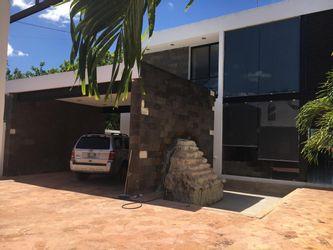 NEX-19855 - Casa en Venta en Santa María Chí, CP 97306, Yucatán, con 5 recamaras, con 4 baños, con 1 medio baño, con 418 m2 de construcción.