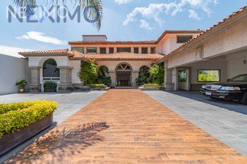 NEX-32411 - Casa en Venta en Jardines del Pedregal de San Ángel, CP 04500, Ciudad de México, con 8 recamaras, con 10 baños, con 11 medio baños, con 3900 m2 de construcción.