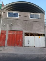 NEX-37394 - Bodega en Venta en Valle de Santiago, CP 55138, México, con 2 recamaras, con 2 baños, con 2 medio baños, con 200 m2 de construcción.