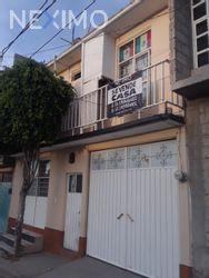NEX-46927 - Casa en Venta, con 4 recamaras, con 3 baños, con 1 medio baño, con 220 m2 de construcción en Lomas de Tecámac, CP 55765, México.