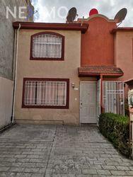 NEX-47873 - Casa en Venta, con 3 recamaras, con 1 baño, con 84 m2 de construcción en Las Américas, CP 55076, México.
