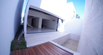 NEX-13905 - Casa en Renta en Álamos I, CP 77533, Quintana Roo, con 3 recamaras, con 3 baños, con 1 medio baño, con 230 m2 de construcción.
