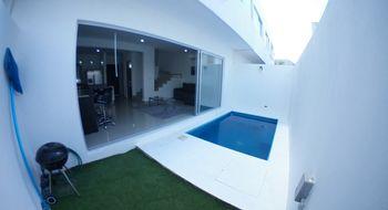 NEX-14383 - Casa en Renta en Álamos I, CP 77533, Quintana Roo, con 3 recamaras, con 2 baños, con 1 medio baño, con 156 m2 de construcción.