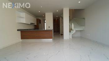 NEX-21947 - Casa en Venta, con 3 recamaras, con 2 baños, con 1 medio baño, con 182 m2 de construcción en El Fortín, CP 45066, Jalisco.