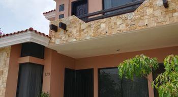NEX-24200 - Casa en Renta en San José Libramiento, CP 29064, Chiapas, con 4 recamaras, con 3 baños, con 1 medio baño, con 270 m2 de construcción.