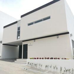 NEX-36629 - Casa en Renta en Potrero Mirador, CP 29087, Chiapas, con 3 recamaras, con 3 baños, con 1 medio baño, con 200 m2 de construcción.