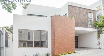 NEX-8428 - Casa en Venta en Colinas del Sur, CP 29066, Chiapas, con 2 recamaras, con 2 baños, con 1 medio baño, con 189 m2 de construcción.