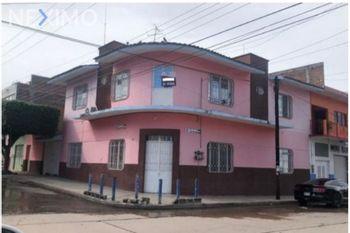 NEX-41169 - Casa en Venta, con 6 recamaras, con 3 baños, con 1 medio baño, con 343 m2 de construcción en San Francisco, CP 29066, Chiapas.