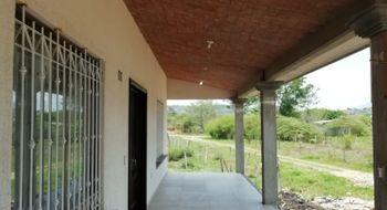 NEX-12039 - Casa en Venta en Viva Cárdenas, CP 29129, Chiapas, con 3 recamaras, con 4 baños, con 300 m2 de construcción.