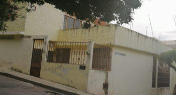 NEX-12804 - Casa en Renta en 24 de Junio, CP 29047, Chiapas, con 5 recamaras, con 6 baños, con 350 m2 de construcción.