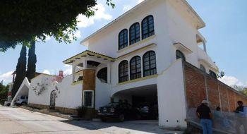 NEX-15449 - Casa en Venta en Santa Elena, CP 29060, Chiapas, con 4 recamaras, con 5 baños, con 1 medio baño, con 746 m2 de construcción.