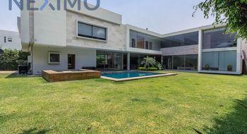 NEX-10105 - Casa en Venta en Sumiya, CP 62563, Morelos, con 4 recamaras, con 5 baños, con 1 medio baño, con 640 m2 de construcción.
