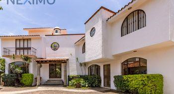 NEX-11187 - Casa en Venta en Lomas de Ahuatlán, CP 62130, Morelos, con 4 recamaras, con 4 baños, con 1 medio baño, con 401 m2 de construcción.
