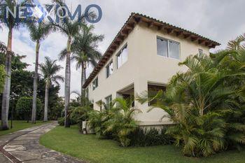 NEX-18525 - Casa en Venta en Lomas de La Selva, CP 62270, Morelos, con 5 recamaras, con 5 baños, con 1 medio baño, con 679 m2 de construcción.
