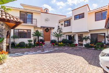 NEX-38638 - Casa en Venta en Real de Tetela, CP 62130, Morelos, con 4 recamaras, con 4 baños, con 1 medio baño, con 460 m2 de construcción.