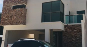 NEX-16284 - Casa en Venta en Colinas del Sur, CP 29066, Chiapas, con 2 recamaras, con 3 baños, con 2 medio baños, con 274 m2 de construcción.