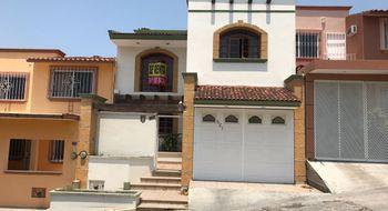 NEX-32907 - Casa en Renta en Monte Real, CP 29023, Chiapas, con 3 recamaras, con 2 baños, con 1 medio baño, con 139 m2 de construcción.