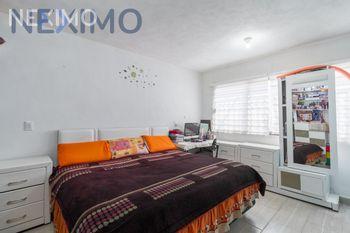 NEX-33550 - Casa en Venta en Álvaro Obregón, CP 09230, Ciudad de México, con 3 recamaras, con 1 baño, con 2 medio baños, con 180 m2 de construcción.