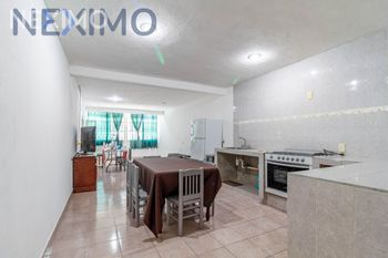 NEX-33551 - Casa en Venta, con 3 recamaras, con 2 baños, con 1 medio baño, con 180 m2 de construcción en Álvaro Obregón, CP 09230, Ciudad de México.