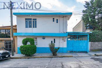 NEX-38904 - Casa en Venta, con 6 recamaras, con 3 baños, con 1 medio baño, con 220 m2 de construcción en Lomas de San Miguel Norte, CP 52928, México.