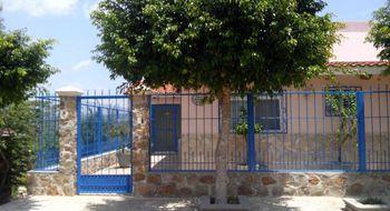 NEX-10083 - Casa en Venta en Juan Sabines, CP 29140, Chiapas, con 2 recamaras, con 1 baño, con 1 medio baño, con 196 m2 de construcción.