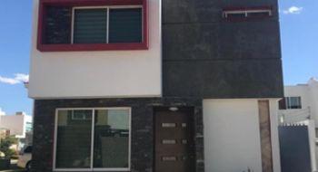 NEX-32437 - Casa en Renta en El Alcázar (Casa Fuerte), CP 45645, Jalisco, con 3 recamaras, con 2 baños, con 1 medio baño, con 121 m2 de construcción.