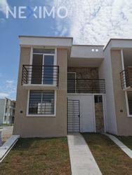 NEX-36377 - Casa en Venta, con 3 recamaras, con 2 baños, con 79 m2 de construcción en Ixtapa Centro, CP 48280, Jalisco.