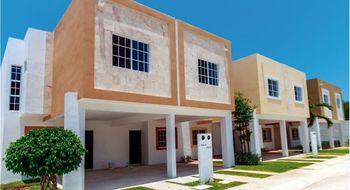 NEX-26542 - Casa en Renta en Solidaridad, CP 77733, Quintana Roo, con 3 recamaras, con 2 baños, con 1 medio baño, con 120 m2 de construcción.
