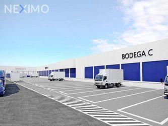 NEX-14092 - Bodega en Renta, con 6 medio baños, con 4300 m2 de construcción en El Árbol, CP 55027, México.