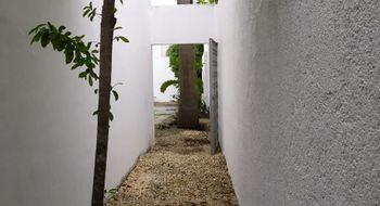 NEX-21310 - Casa en Venta en Villas del Arte, CP 77535, Quintana Roo, con 4 recamaras, con 3 baños, con 1 medio baño, con 190 m2 de construcción.