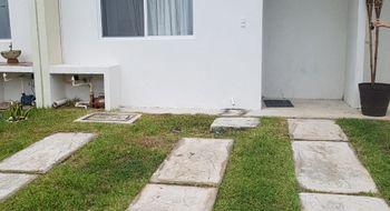 NEX-21908 - Casa en Renta en Jardines del Sur, CP 77536, Quintana Roo, con 3 recamaras, con 3 baños, con 1 medio baño, con 118 m2 de construcción.