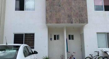 NEX-22018 - Casa en Renta en Jardines del Sur, CP 77536, Quintana Roo, con 3 recamaras, con 4 baños, con 90 m2 de construcción.
