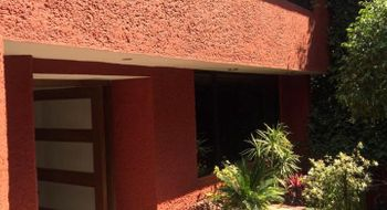 NEX-24957 - Casa en Venta en Lomas de Tecamachalco Sección Bosques I y II, CP 52780, México, con 3 recamaras, con 2 baños, con 560 m2 de construcción.