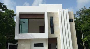 NEX-33116 - Casa en Venta en Supermanzana 312, CP 77533, Quintana Roo, con 3 recamaras, con 3 baños, con 1 medio baño, con 207 m2 de construcción.