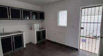 NEX-34494 - Casa en Venta en Cancún Centro, CP 77500, Quintana Roo, con 2 recamaras, con 1 baño, con 1 medio baño, con 100 m2 de construcción.