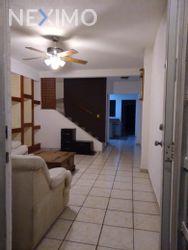 NEX-41913 - Casa en Renta en Cancún Centro, CP 77500, Quintana Roo, con 2 recamaras, con 1 baño, con 1 medio baño, con 80 m2 de construcción.