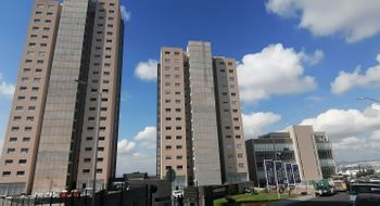 NEX-22139 - Departamento en Renta en Arboledas, CP 76140, Querétaro, con 2 recamaras, con 2 baños, con 1 medio baño, con 95 m2 de construcción.