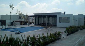 NEX-26111 - Casa en Renta en Residencial el Refugio, CP 76146, Querétaro, con 3 recamaras, con 2 baños, con 1 medio baño, con 120 m2 de construcción.