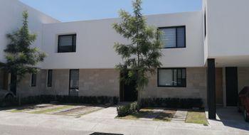 NEX-29302 - Casa en Renta en Residencial el Refugio, CP 76146, Querétaro, con 3 recamaras, con 2 baños, con 1 medio baño, con 160 m2 de construcción.